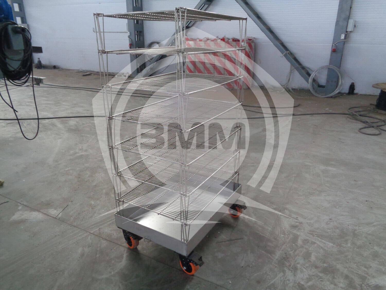 Изображение реализованного проекта на странице Стеллажная тележка на колесах со съемными полками